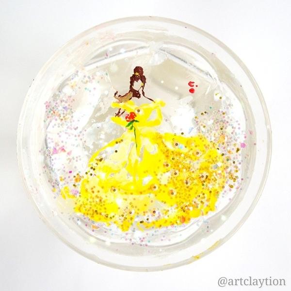 Принцессы, нарисованные лаком для ногтей.