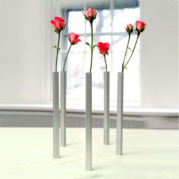 необычная магнитная ваза от компании DCI