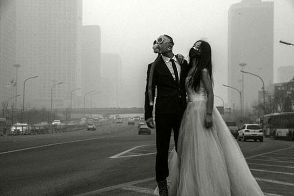 Необычная свадьба в противогазах