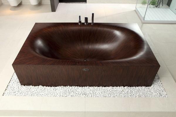 Стильная деревянная ванна