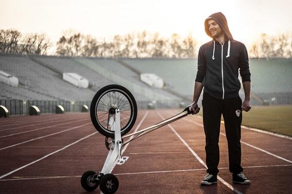 Halfbike: компактное транспортное средство.