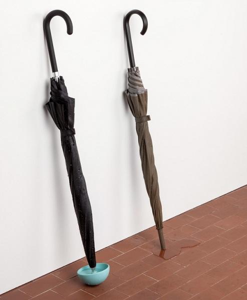 Резиновый наконечник для зонта: предотвращает появление луж на полу.