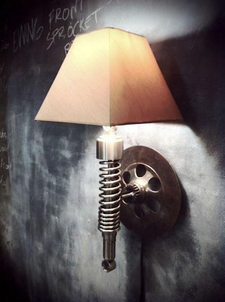 Настенный светильник из коллекции Classified Moto