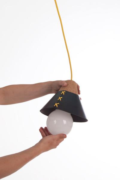 Лампа в корсете от Cristian Reyes