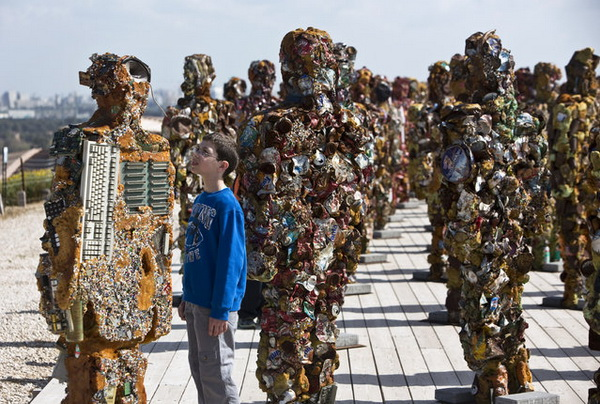 Скульптуры из мусора от HA Schult.
