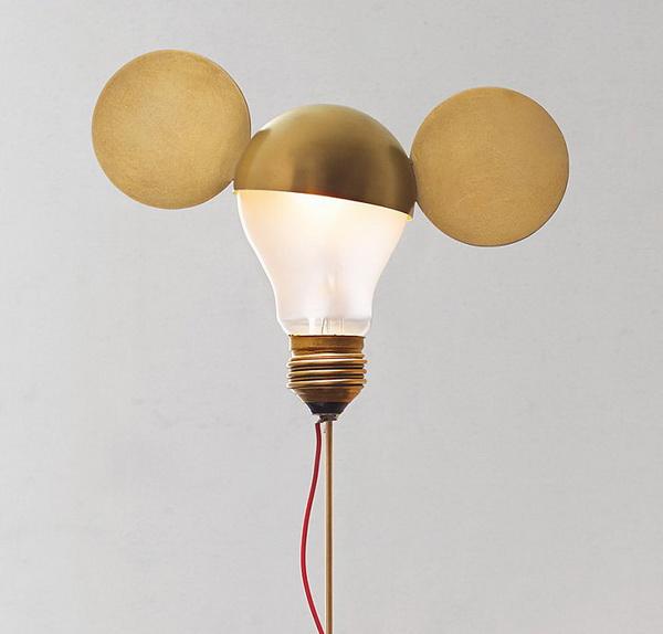 Светильники в форме Микки Мауса.