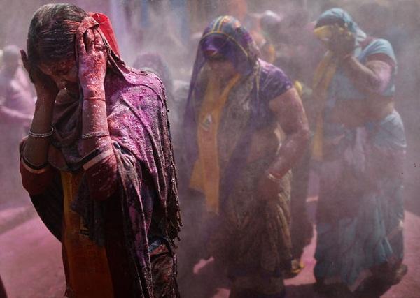 Фестиваль Lathmar Holi: встреча весны