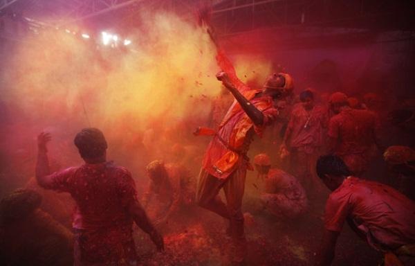 Фестиваль Lathmar Holi в Индии