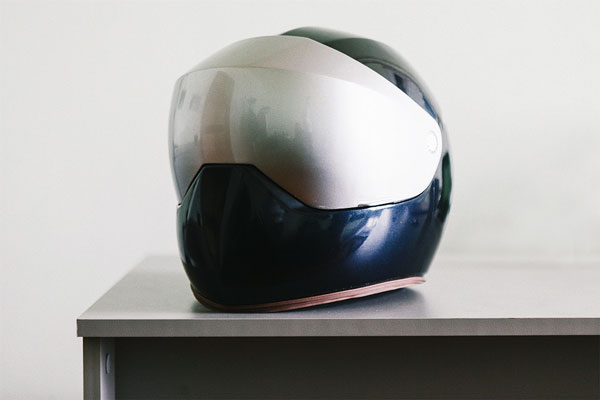 Мотоциклетный шлем LiveMap со встроенной навигационной системой
