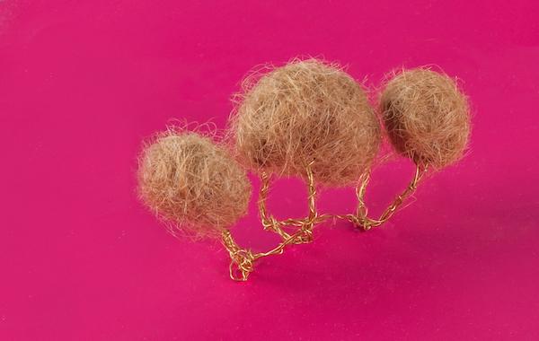 Коллекция украшений из волос.