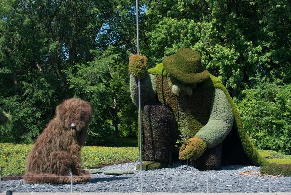 Выставка зеленых скульптур в Монреале