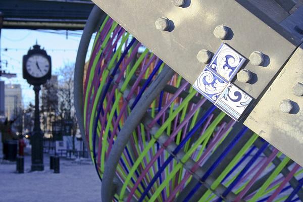 Керамическая плитка в проекте Patchworked на улицах города.