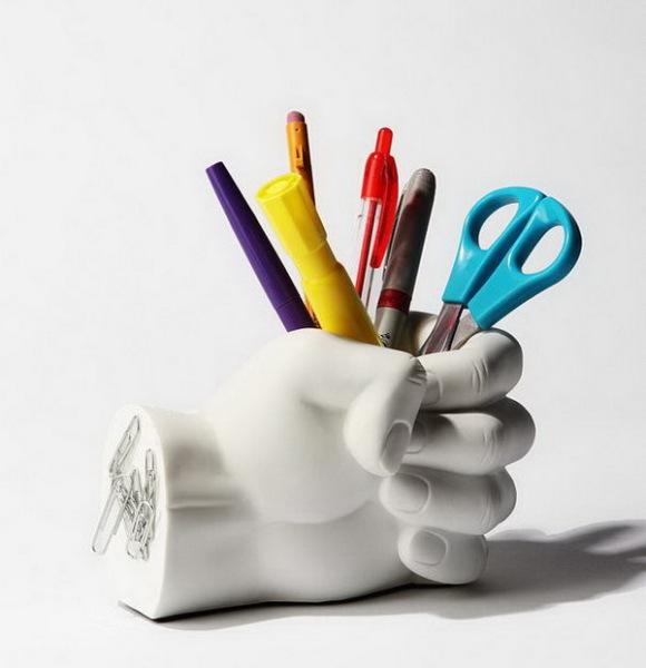 карандашница в форме руки