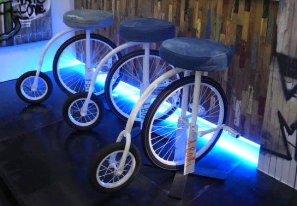 оригинальная мебель для бара на колесах