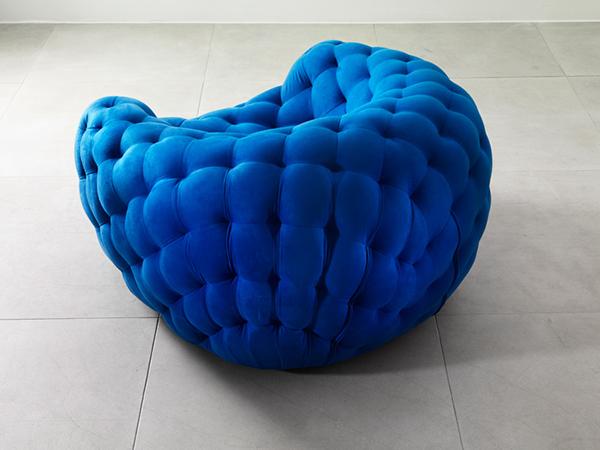 Мягкая мебель «Royere» имитирующая компьютерную 3D-сетку