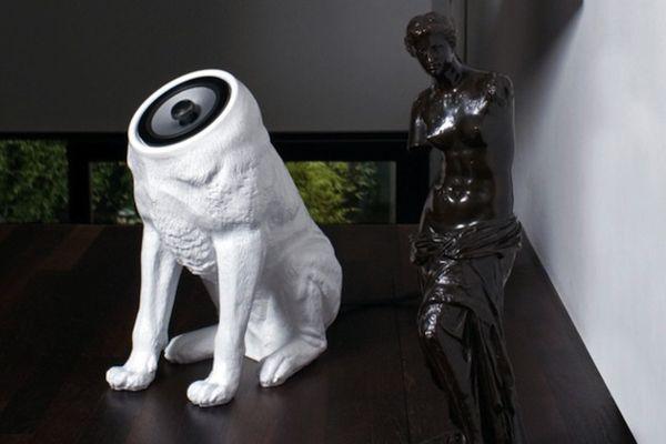 Колонки в виде собаки без головы