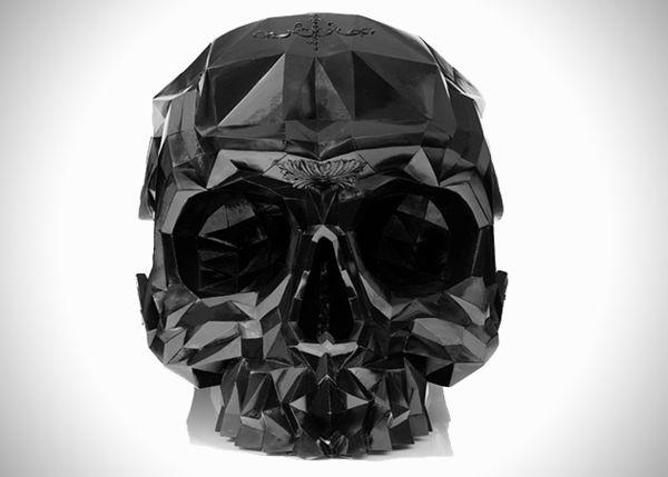 Кресло в форме черепа от дизайнера Harold Sangouard