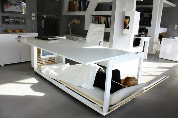 Стол-кровать для трудоголиков и бездельников