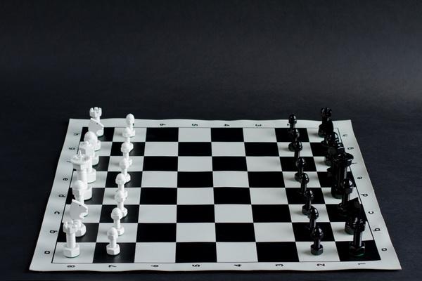 Оригинальная модель шахмат Tool Chess