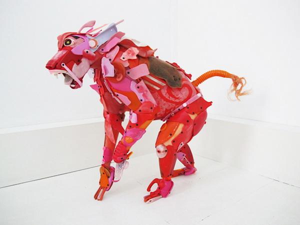 Игрушки, созданные из мусора, от Gilles Cenazandotti