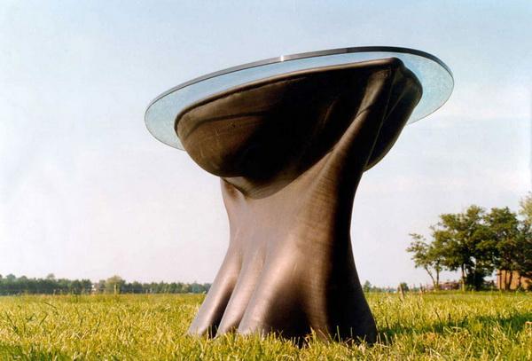 стол со стеклянной столешницей Project RUBBER