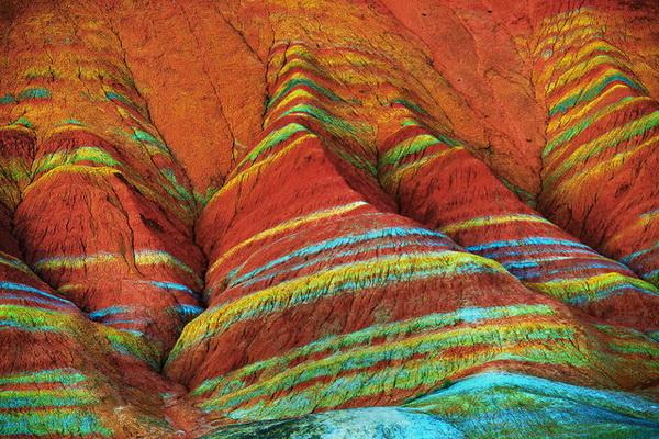 Цветные горы Danxia Landform в Китае.
