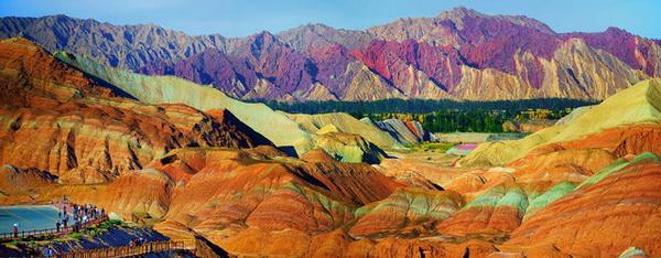 Цветные горные склоны Danxia Landform.