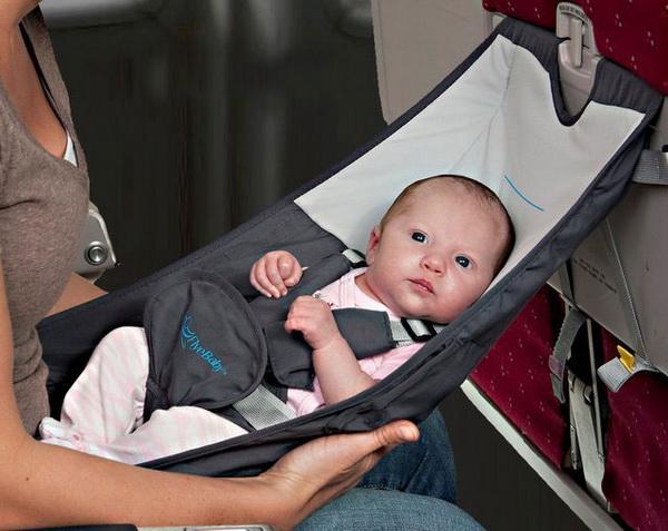 детское кресло для самолета