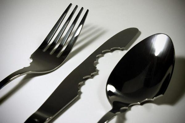 Столовые приборы в борьбе с голодом и обжорством.