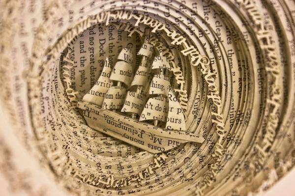 Скульптуры из книг от художника Thomas Wightman