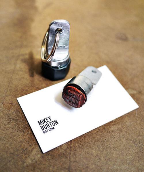 своеобразный брелок с печатью