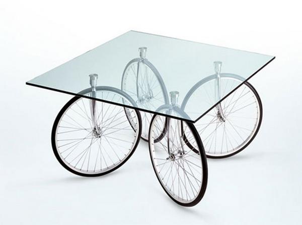 стол на велосипедных колесах GAE Aulenti