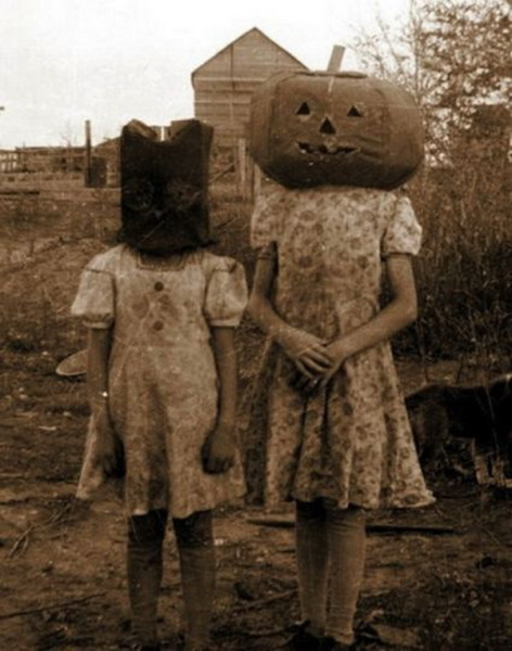как встречали Хэллоуин наши бабушки
