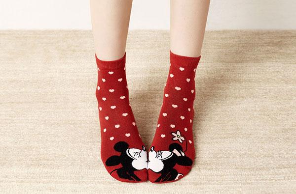 целующиеся носки