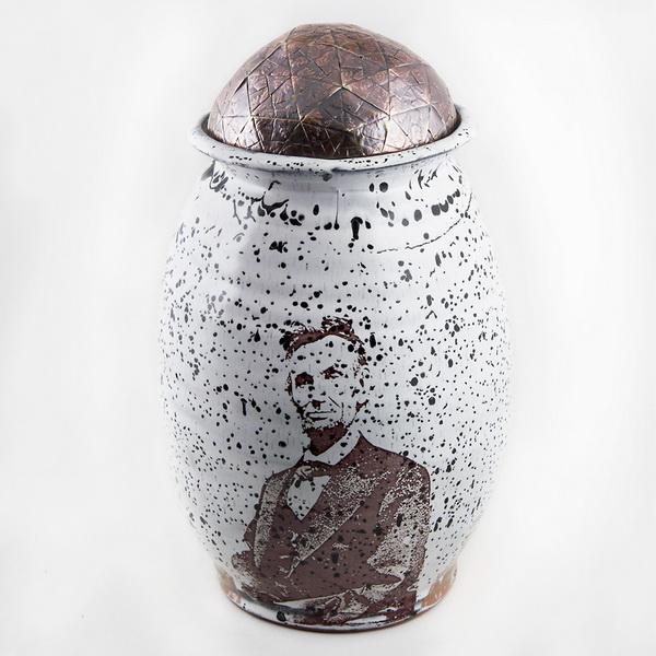 Сосуд с изображением Авраама Линкольна
