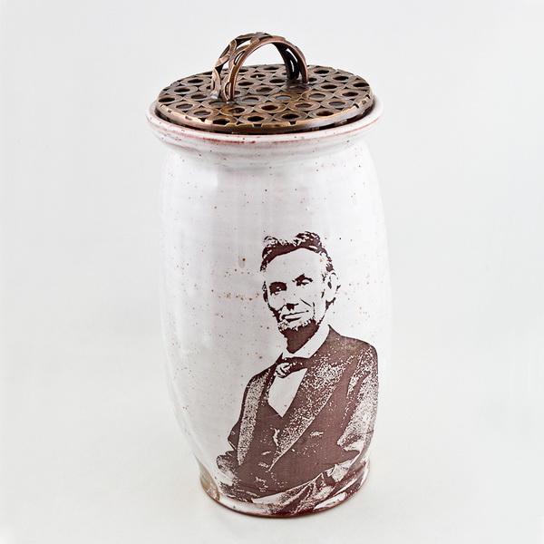 Посуда с изображением Авраама Линкольна