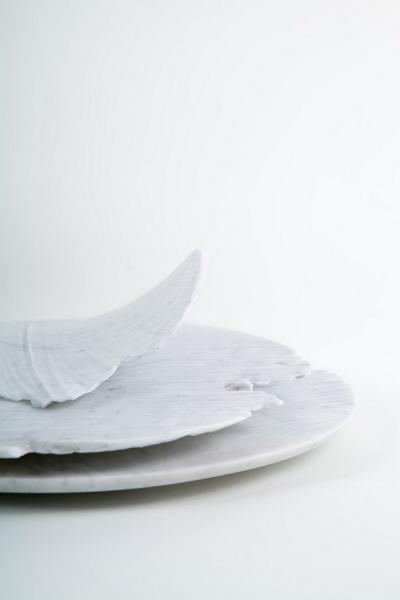 Тарелки из коллекции Monolith