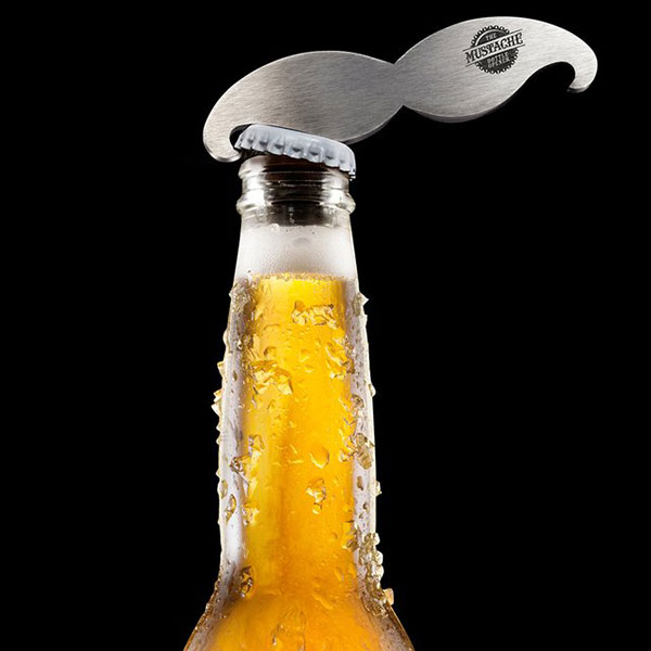 «усатый» брелок, открывающий бутыли