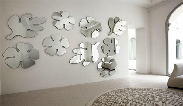 Оформление стен при помощи фигурно нарезанных зеркал