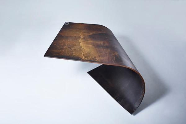 Poised: идеально сбалансированный стол