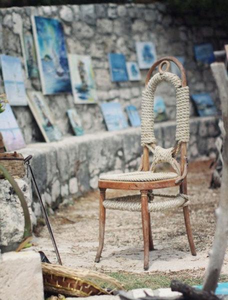 стул, обтянутый веревкой
