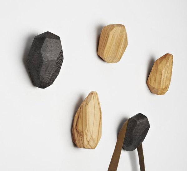 Настенные крючки из дерева