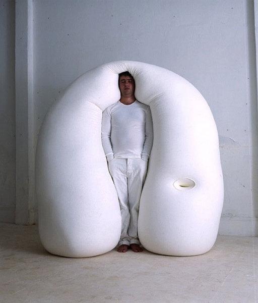 кровать, на которой можно спать стоя
