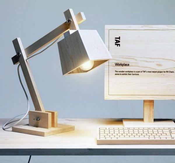 Лампа с деревянным абажуром