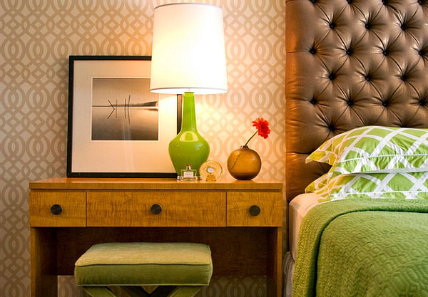 Настольные лампы; оригинальный цветовой акцент и яркий контраст