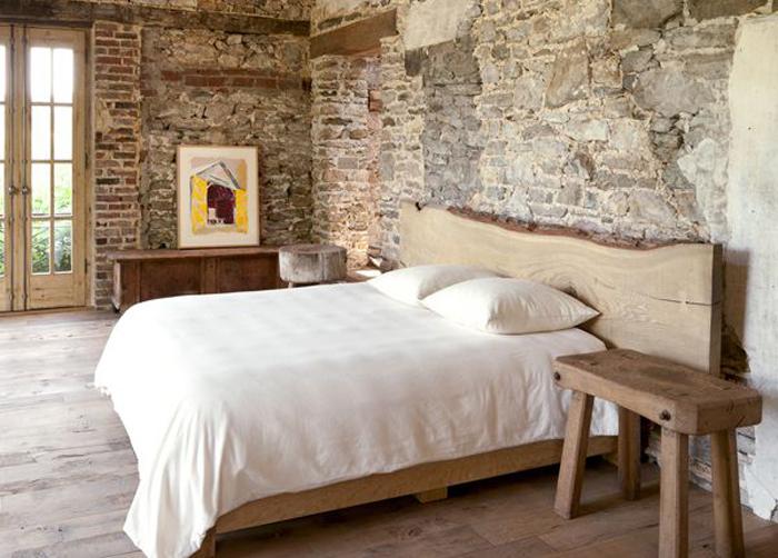Каменные или кирпичные стены