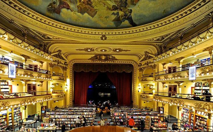 10 самых знаковых книжных магазинов в мире