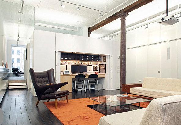 Компактный офис в современном лофте
