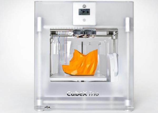 3D принтер способен распечатать обувь любой расцветки