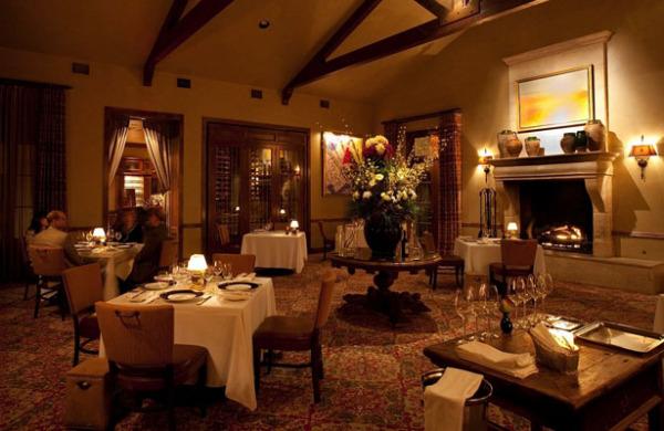 Ресторан в отеле Inn at Dos Brisas, Хьюстон, штат Техас.